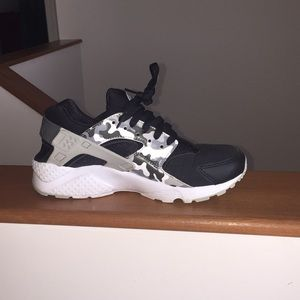 Black and white and grey camo Nike huaraches